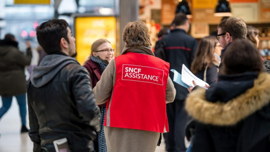 Perturbations à Montparnasse, la SNCF accuse l'Empire Galactique.